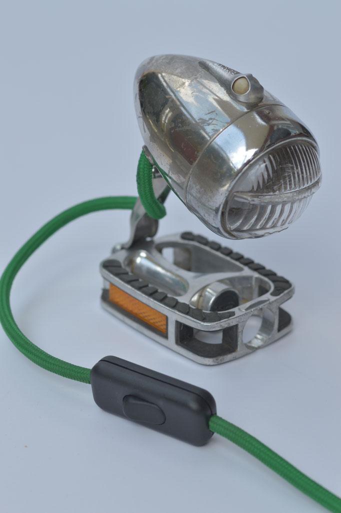Fahrrad upcycling-fahrradmöbel-nachttischlampe - lampe-upcycling-shepherds world