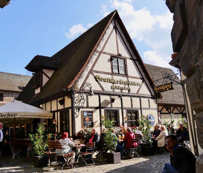 Nürnberger Gasthaus im Handwerkerhof Sehenswürdigkeiten Deutschland Nürnberg