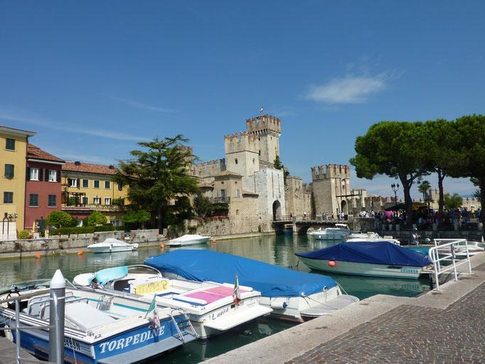 Scaliger Burg in Sirmione Italien Gardasee Sirmione