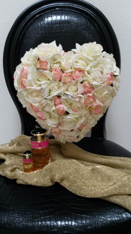 Herz aus Rosen mit Duft von Prada