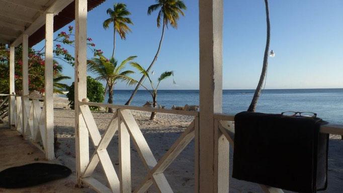 Bild: Blick aus meiner Unterkunft auf Isla Saona auf´s Meer