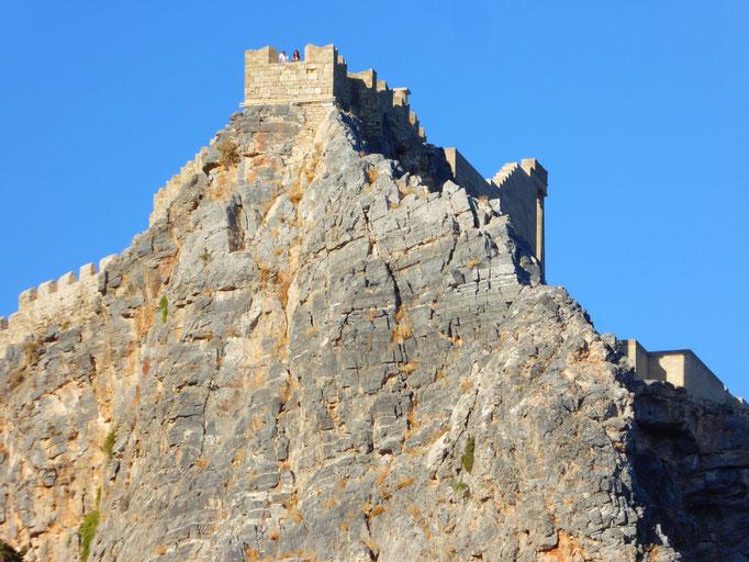 Bild: Die Akropolis auf dem Felsen