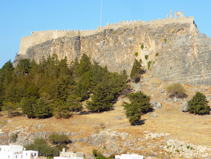 Bild: Die Akropolis vom Ort aus