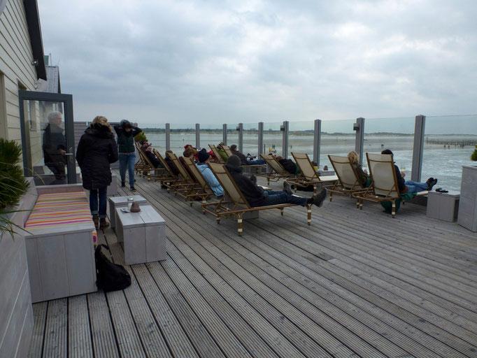 Bild: Restaurant 54 Grad in St. Peter-Ording auf der Terrasse