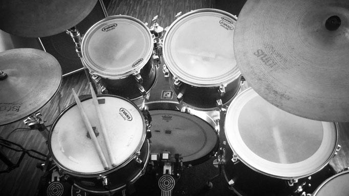 kostenlose Schlagzeug-Videos, Übungen, Tipps zum Schlagzeug-Lernen, Musikmachen und mehr