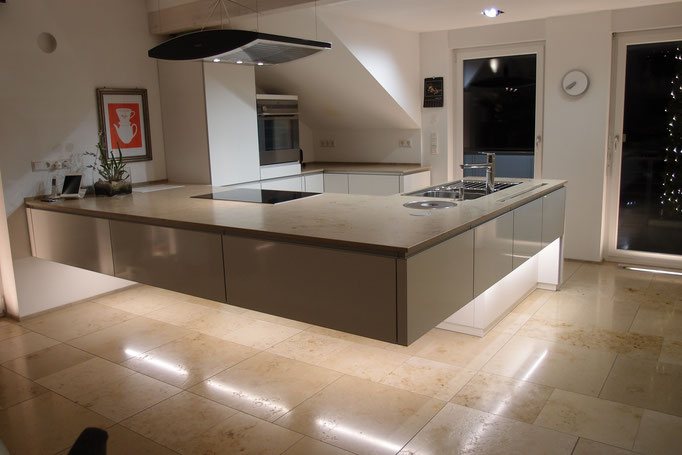 Gut bekannt Außergewöhnliche Ideen für Ihre Küche - Gözinger Objekteinrichtungen NQ46
