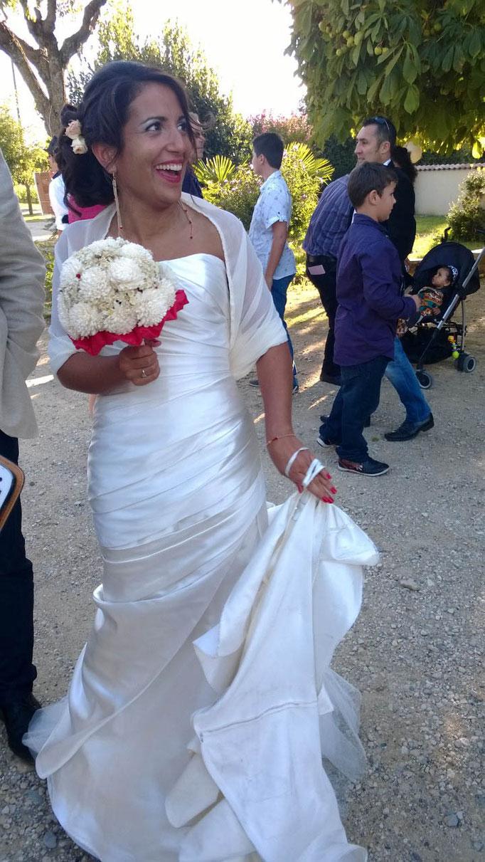 bouquet-mariee-fleurs-blanches-satin-mariage-chic-rock-emannuelle-gervy