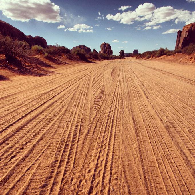 Tire tracks @ Monument Valley - by Joachim Köhler