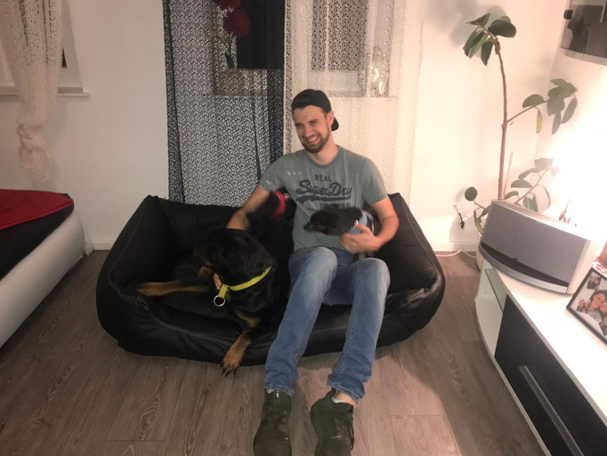 Knuffelwuff Sidney Hundebett schwarz 155 x 105 cm