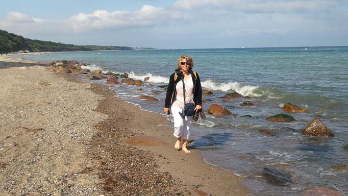 Dunja Bruder am Strand von Heiligendamm