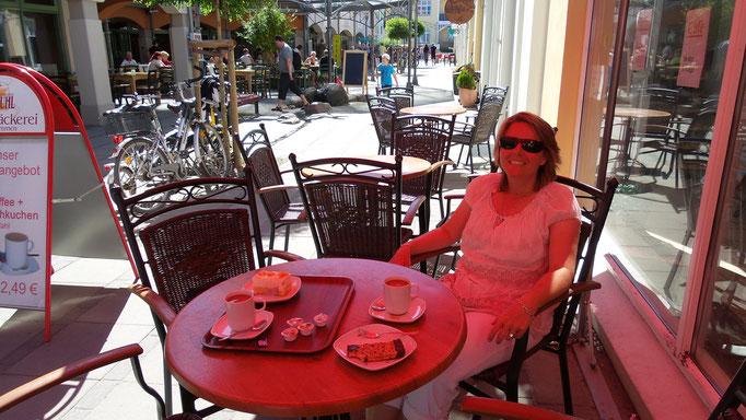 Dunja Bruder im Cafe Kühlungsborn