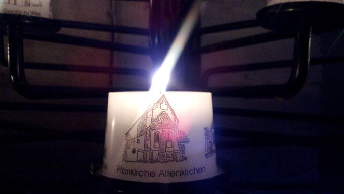 Kerze in Kirche auf Rügen