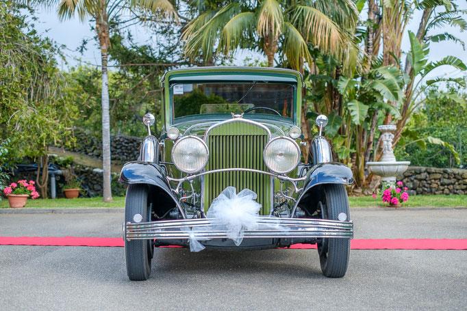 Brautwagen Oldtimer geschmückt