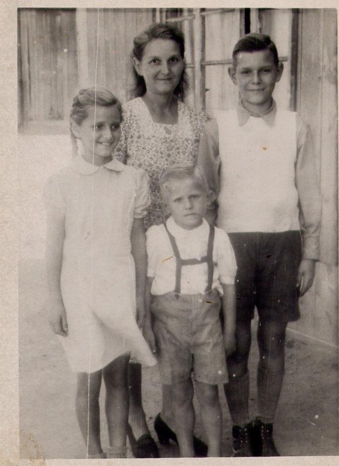 Bertha und Kinder