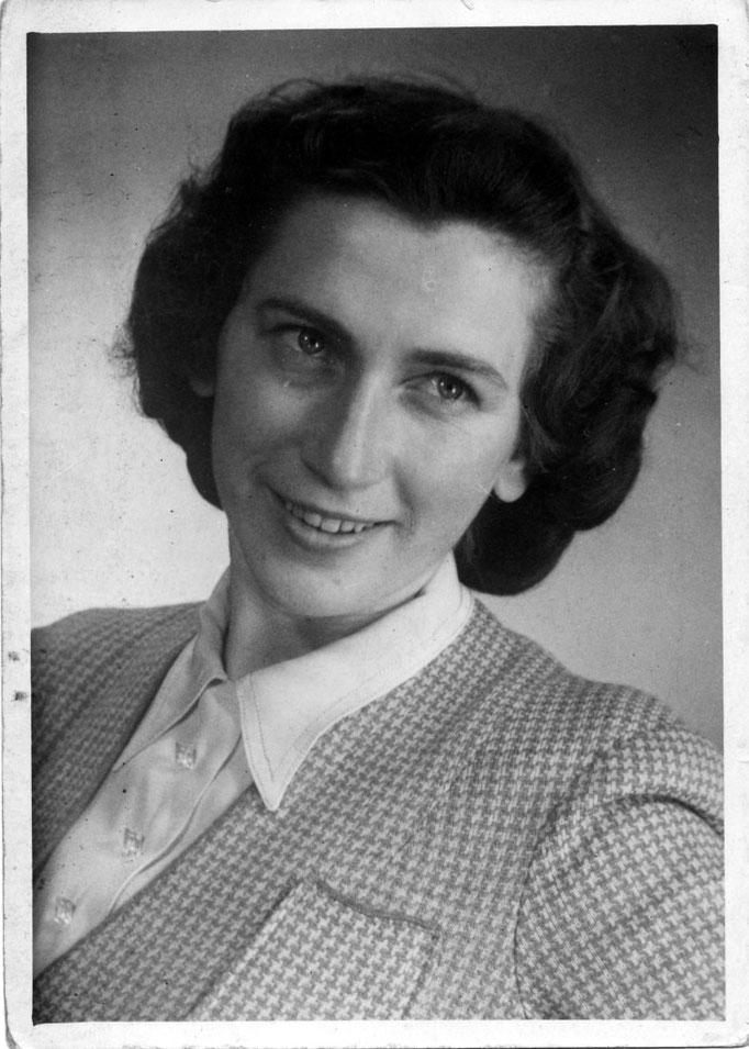 1944 Hildegard Katterwe