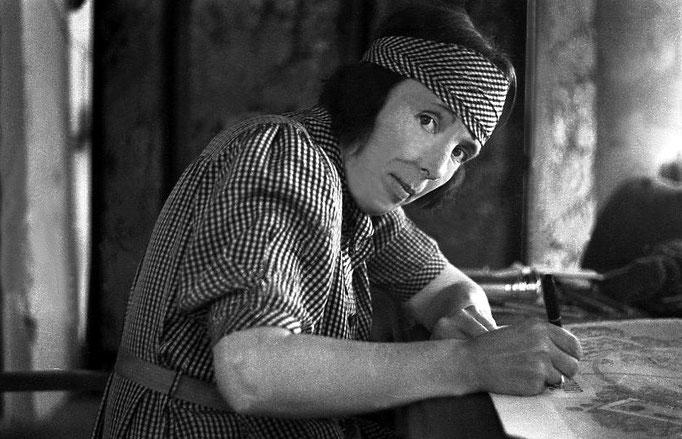 1938 : Hedi Mertens rendering her husband Walter's plans for the Ashram.