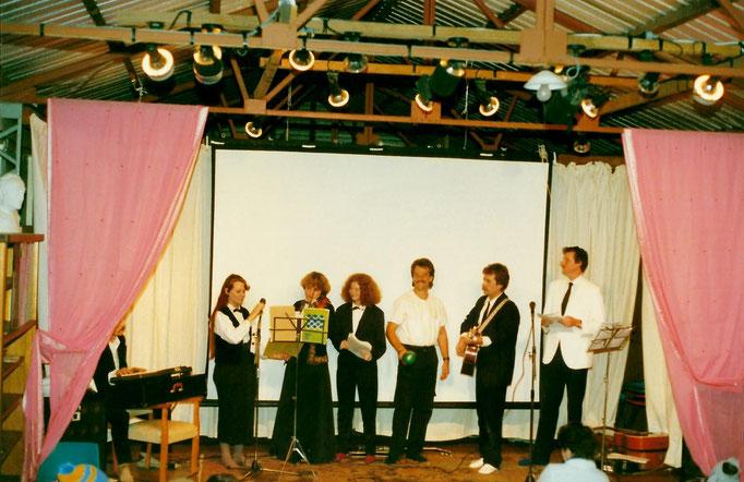 1988 ; (L-R ) Paul Wyld, Raine Eastman-Gannett, Lorraine Woods, Kris Wyls, Rod Tyson & George.Photo taken by Anthony Zois.