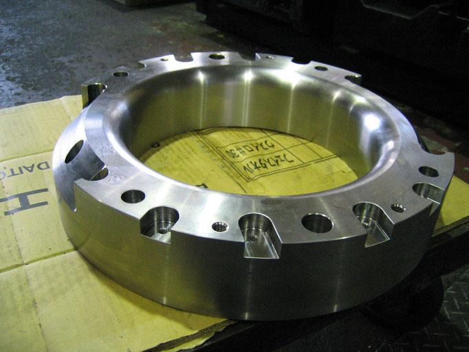 2.5次元部品加工(ダイス鋼)