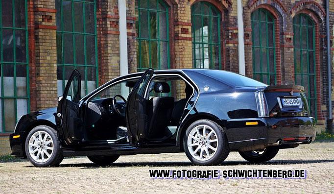 04/14 - für die Zeitschrift Chrom & Flammen dürfte ich im Niedersächsischen Peine diesen Cadillac STS-V mit satten 476 PS ablichten.