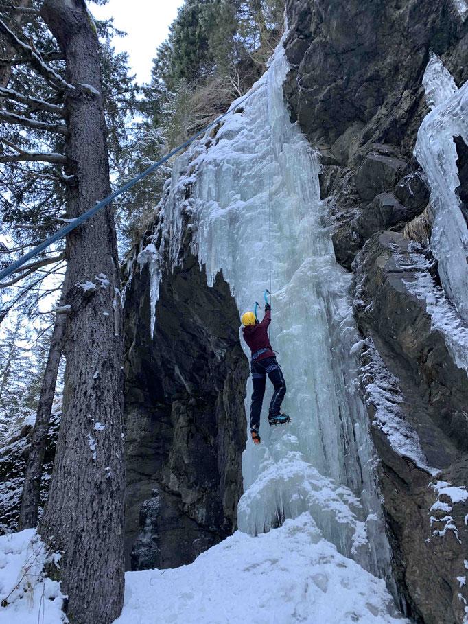 Bergführer Eisklettern Eiskletterkurs Eiskletterführung