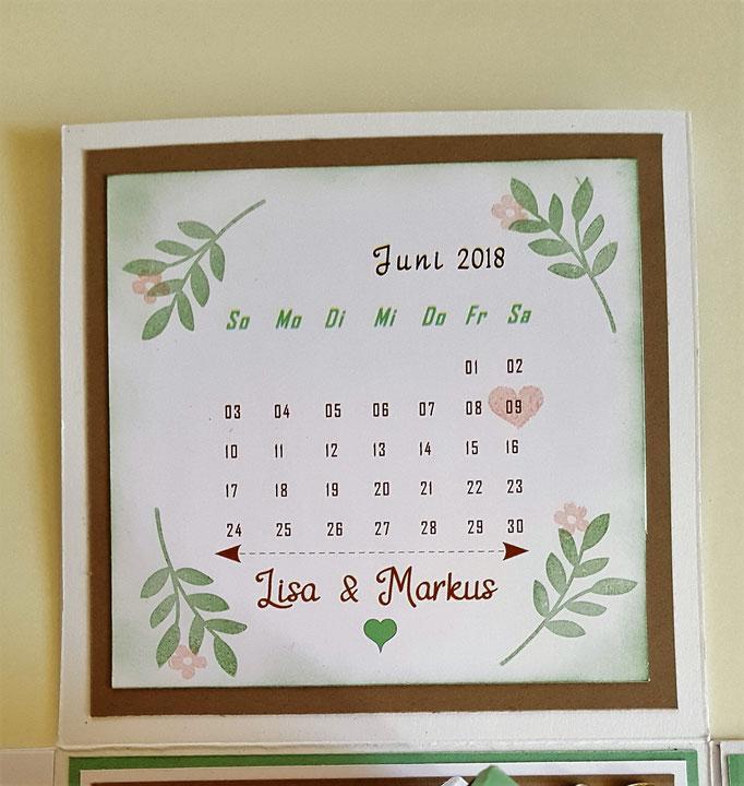 Den Kalender kann man einfach mit Word selber schreiben.