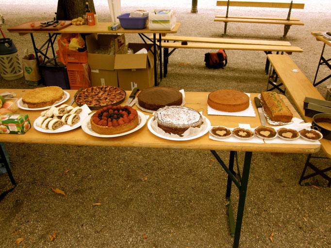Dessertbuffet (alles von lieben Menschen gespendet!)