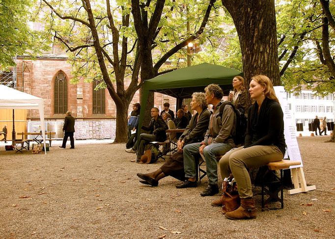 Publikum bei der Eröffnungsrede