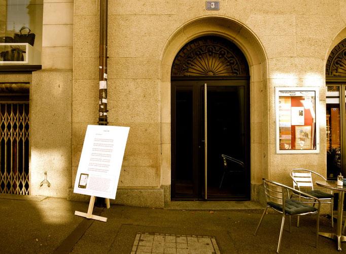 Vor dem Literaturhaus