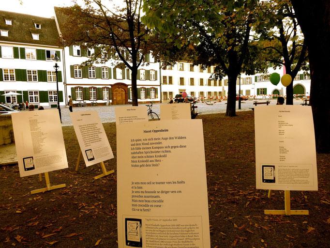 Ausstellung der wieder eingesammelten Plakate