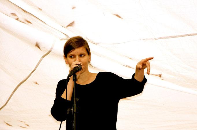 Daniela Dill, Slam-Poetin