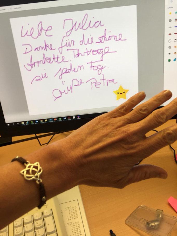 Kunden-Feedback für Filigarna: Danke, liebe Julia, für die schöne Armkette. Ich trage sie jeden Tag!