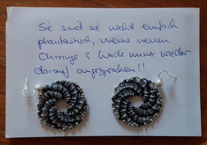 Eine begeisterte Filigarna-Kundin schreibt: Sind sie nicht einfach phantastisch, meine neuen Ohrringe? Werde immer wieder darauf angesprochen!
