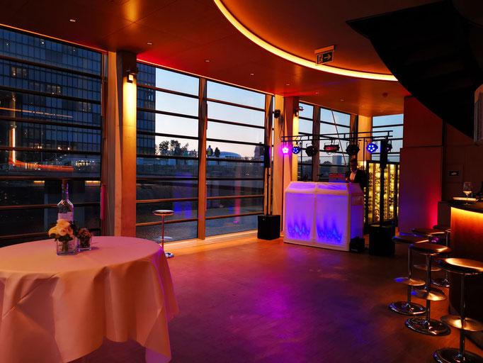 Hochzeit Lido Hafen in Düsseldorf (Hyatt-Hotel)