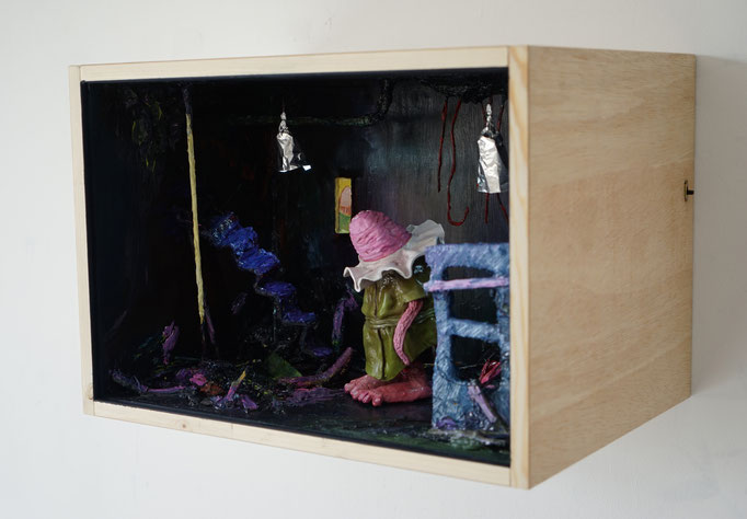 PhilippKummer   in the shadows   2017   div Materialien   38x54x40cm