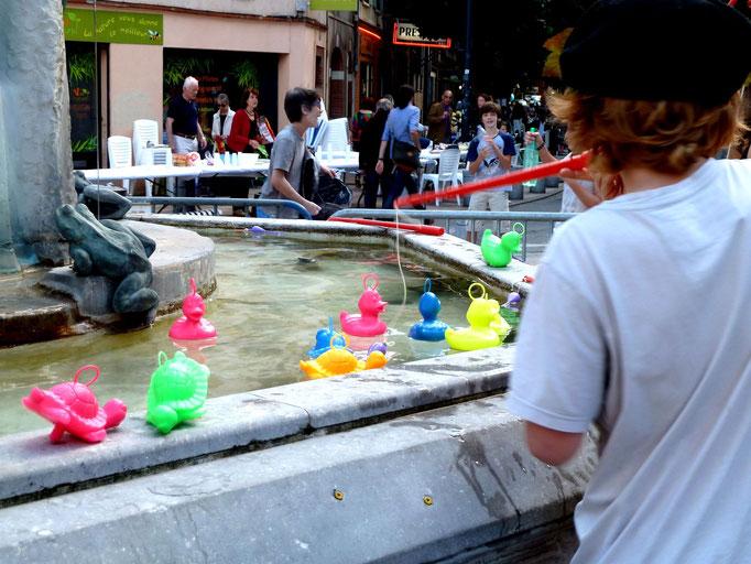 Archipel a mis les canards dans la fontaine