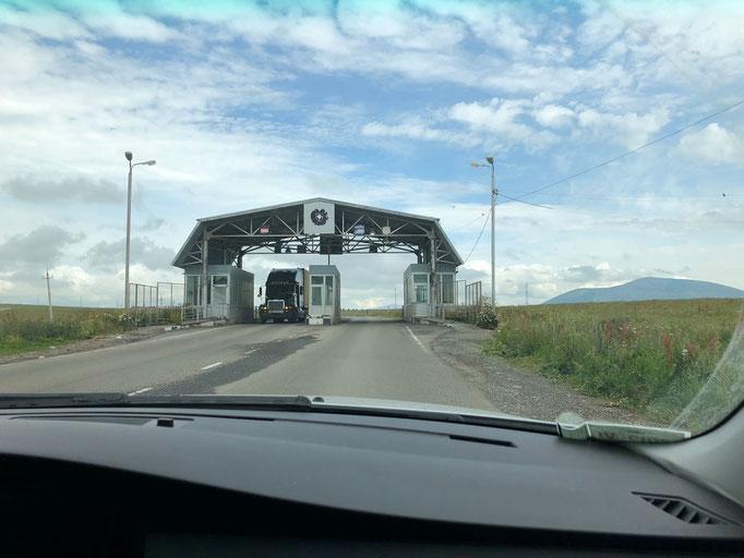 Grensovergang tussen Armenië & Georgië