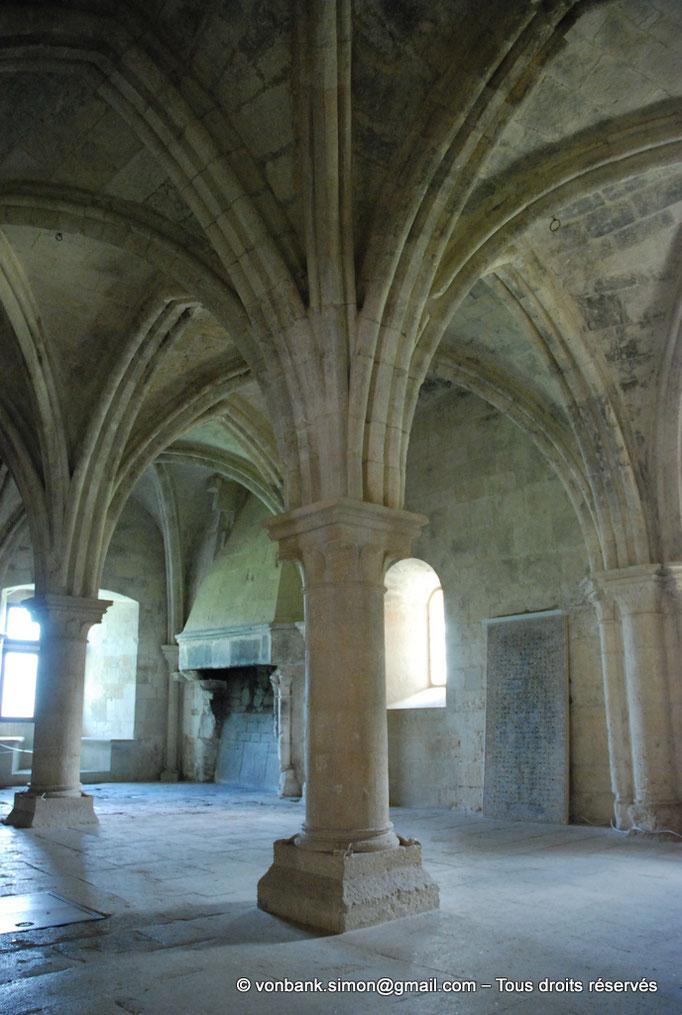 [NU003-2017-088] 13 - La Roque d'Anthéron - Abbaye de Silvacane : Salle des moines ou salle du chauffoir