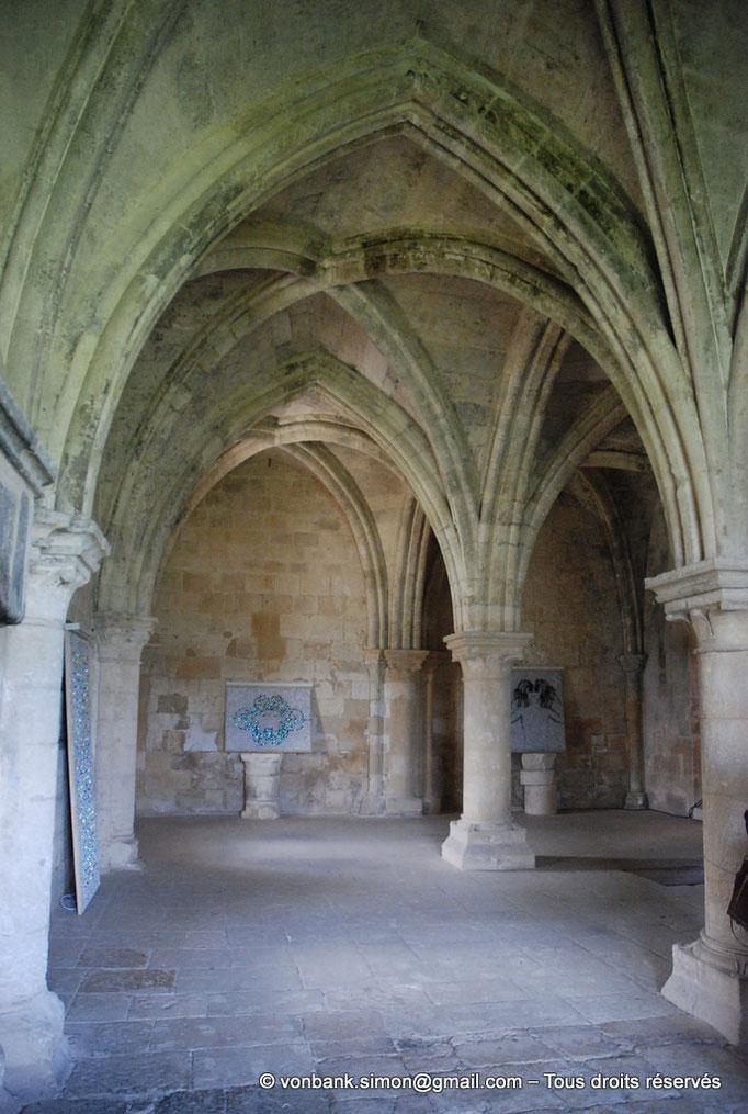 [NU003-2017-091] 13 - La Roque d'Anthéron - Abbaye de Silvacane : Salle des moines ou salle du chauffoir