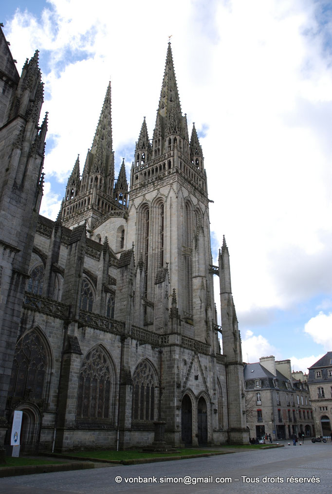 [NU002k-2016-0009] 29 - Quimper - Cathédrale Saint-Corentin : Façade Nord (nef)
