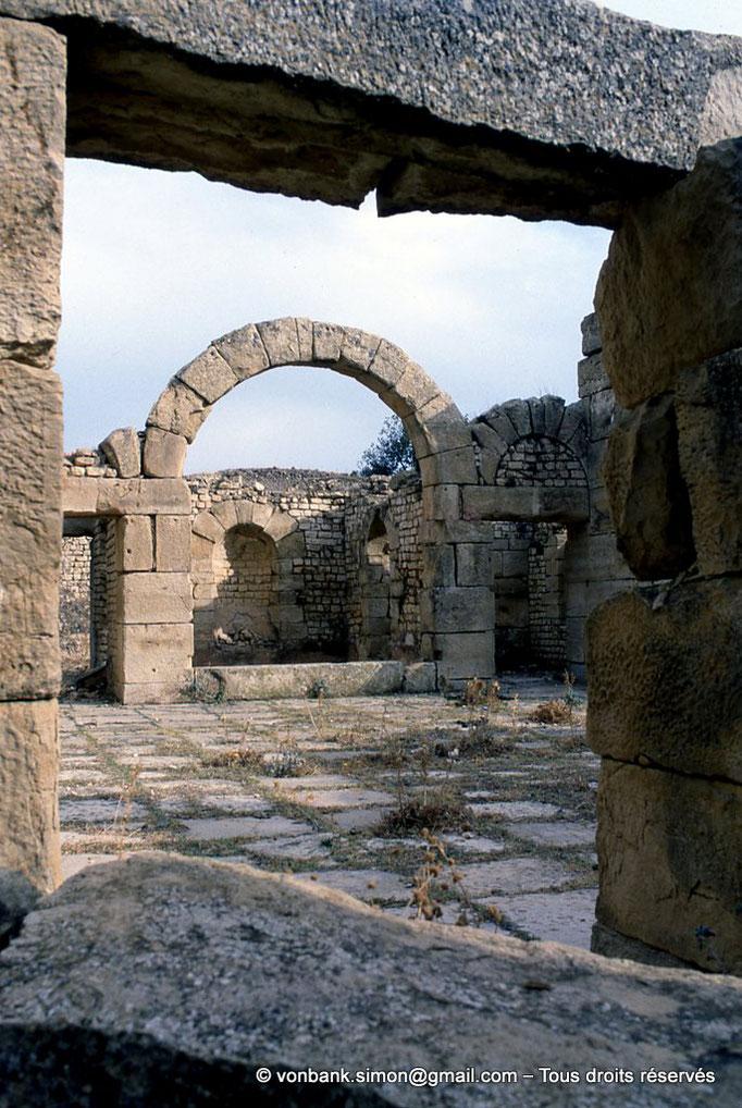 [002-1983-19] Madaure (Madauros) : Les thermes