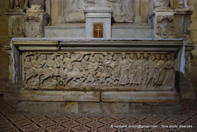 [NU001i-2018-0058] 13 - Arles - Saint-Trophime : Sarcophage représentant la traversée de la mer rouge par les Hébreux (IV°)