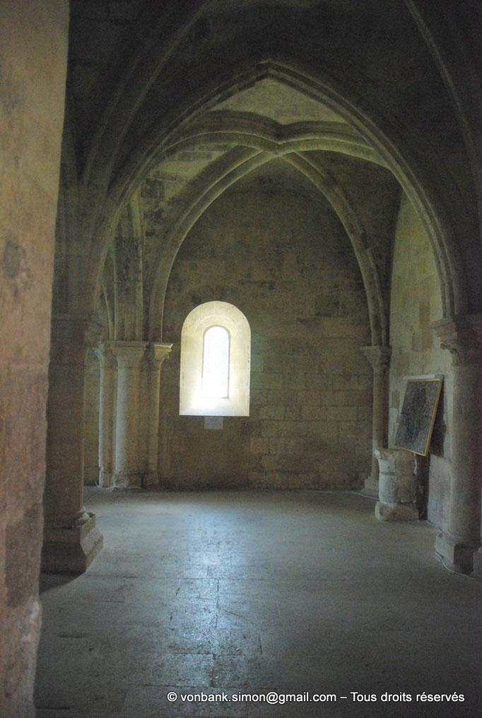 [NU003-2017-087] 13 - La Roque d'Anthéron - Abbaye de Silvacane : Salle des moines ou salle du chauffoir
