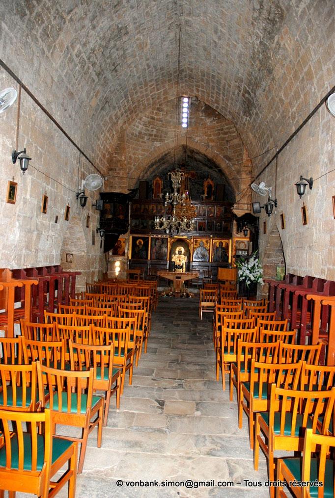[NU900-2012-094] Paphos (Nea Paphos) : Intérieur de l'Église Agia Kyriaki Chrysopolitissa (en direction de l'iconostase)