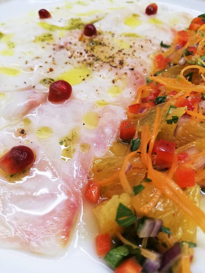 Carpaccio de poisson aux agrumes, Chef à domicile, chef à la maison, chef à domicile Grasse, Cours de cuisine à domicile, cours de cuisine Grasse, Chef Tristan Pontoizeau