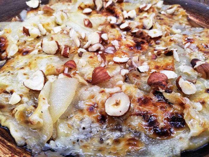 Carpaccio de poire gratinée au Pecorino & noix, Chef à domicile, chef à la maison, chef à domicile Grasse, Cours de cuisine à domicile, cours de cuisine Grasse, Chef Tristan Pontoizeau