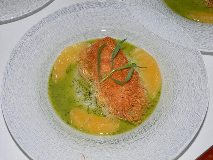 Filet de rouget en croûte de kadaif sauce basilic orange, Chef à domicile, chef à la maison, chef à domicile Grasse, Cours de cuisine à domicile, cours de cuisine Grasse, Chef Tristan Pontoizeau