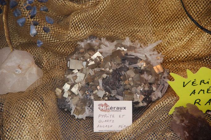 Pyrite sur Quartz