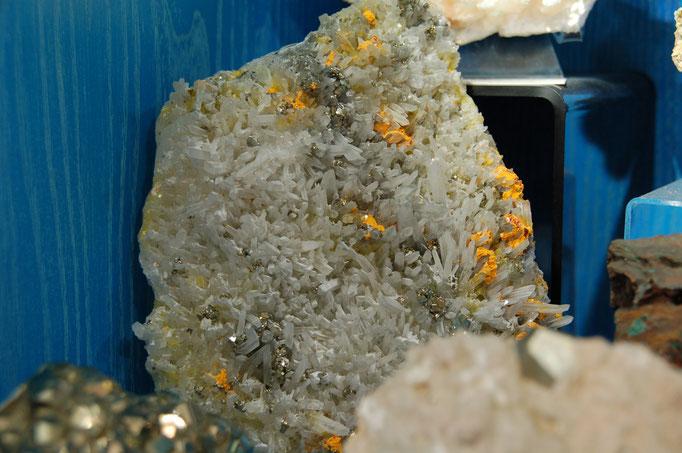 Pyrite et Orpiment sur Quartz