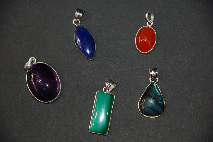 Pendentifs argent : Lapis Lazuli - Cornaline - Améthyste - Malachite - Labradorite