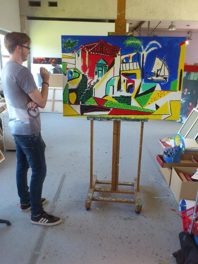 """Thomas bei der Arbeit nach Picasso s """" Mittelmeerlandschaft"""" im Frühsommer 2017,  80x120cm in Acryl"""